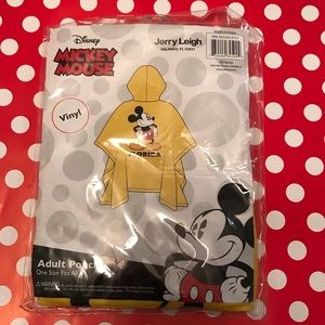 NWT Disney Mickey Mouse adult poncho